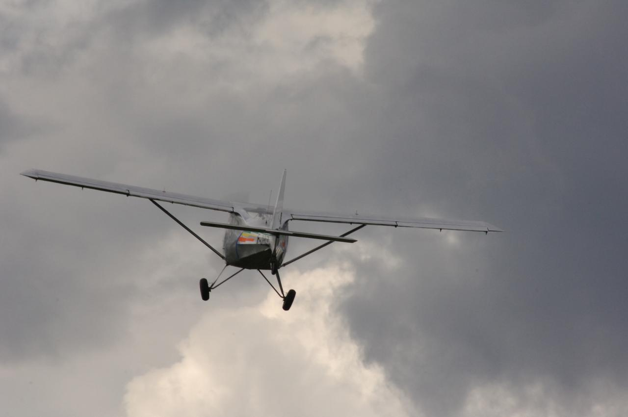 Ikar Ai10 qui part pour un long vol ...