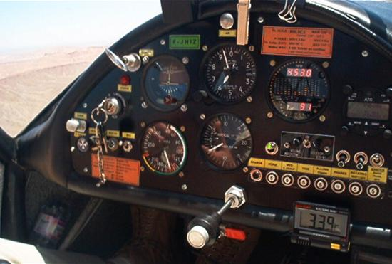 IKAR Ai 10 Cockpit